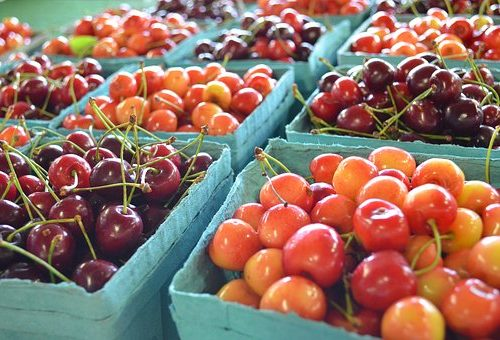 clinton-bailey-farmers-flea-market-cherries-3